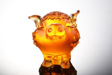 【琉璃工房】十二生肖花燦燦娃娃-哈哈(豬)/琥珀金紅透